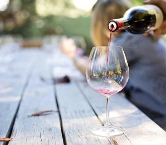 """""""Dyscyplinarka"""" za picie w czasie pracy zdalnej? Taka może być reakcja szefa"""