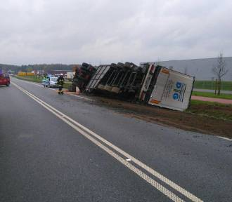 Wypadek ciężarówki w Podaninie