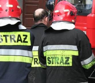 Strażacy ratowali nieprzytomnego seniora