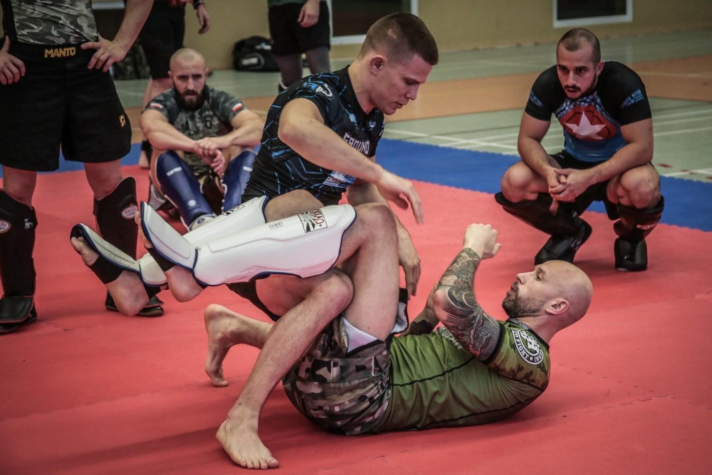 Celem Projektu Wojownik jest przede wszystkim integracja środowiska żołnierzy weteranów – uczestników misji poza granicami kraju, a także zainteresowanie sportami walki jako dyscypliną utylitarną szczególnie dla wojskowych