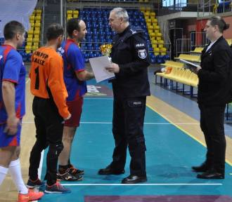 Policja w Kaliszu zaprosiła na Mikołajkowy Turniej w Halowej Piłce Nożnej [FOTO]