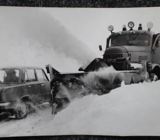 Zima w PRL-u. Kiedyś tak wyglądał Dolny Śląsk w grudniu [ARCHIWALNE ZDJĘCIA]