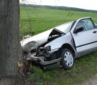 Wypadek w Gogolewie. Ranna pasażerka zmarła w szpitalu [ZOBACZ ZDJĘCIA]
