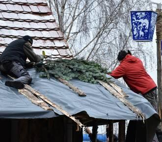 Ruszyła budowa wielkiej szopki w Szczepanowicach [ZDJĘCIA]