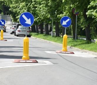 Szykany drogowe na Chrobrego i wyższe stawki dla strażaków