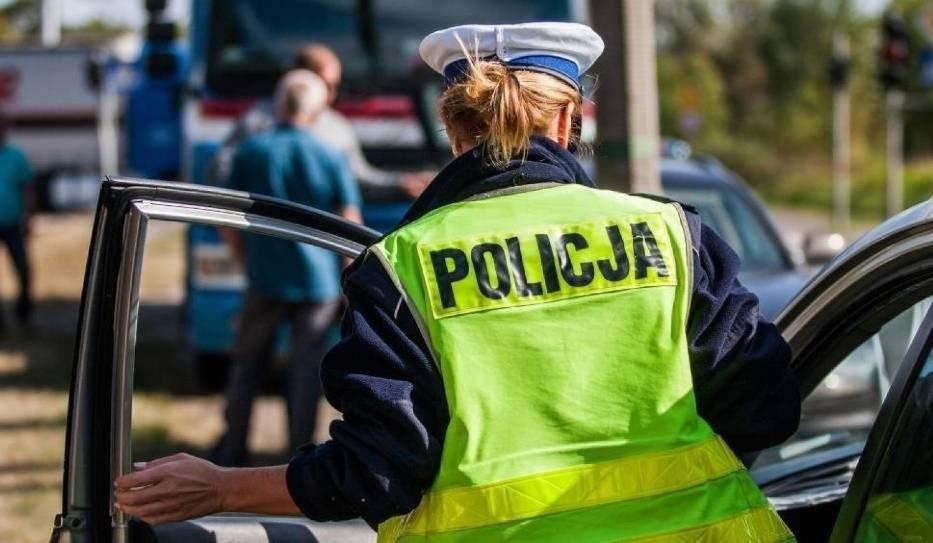 Policja apeluje, aby reagować w przypadku, kiedy ktoś zobaczy dziwnie zachowującego się kierowcę