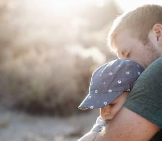 Ojciec świętuje, ale nie on decyduje – prawa ojców w Polsce