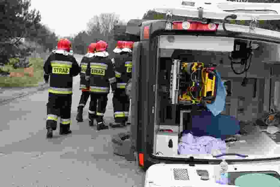 Wypadek karetki na ulicy Przemysłowej w Pile