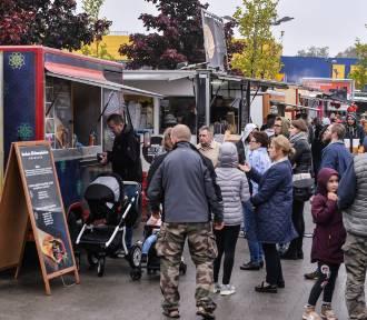 W Gdańsku trwa Festiwal Smaków Food Trucków  [ZDJĘCIA]