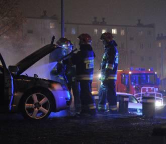 Na osiedlu płoną samochody. Mieszkańcy w strachu