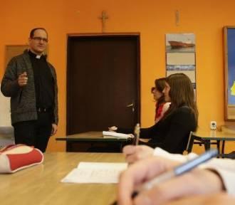 Ile kosztują lekcje religii w gminach powiatu gnieźnieńskiego?