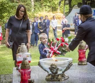 Pamięci ofiar II wojny światowej. Uroczystości ku czci pomordowanych w kaliskim lesie