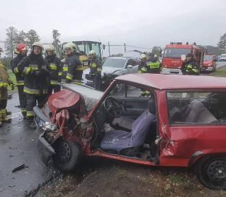 Poważny wypadek pod Zbąszyniem. Jaguar zderzył się z VW [ZDJĘCIA]