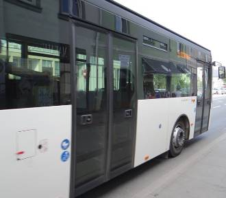 Będą dodatkowe kursy miejskich autobusów 1 listopada