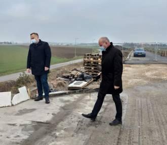Remont wiaduktu w Siomkach na drodze Piotrków - Jeżów  [ZDJĘCIA]
