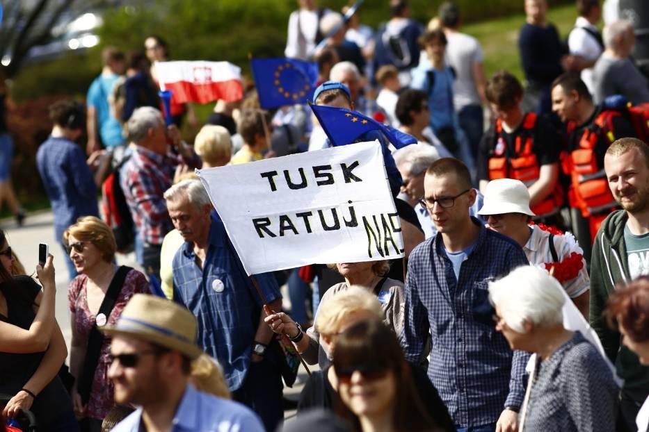 """Marsz Wolności 2017 w Warszawie. """"Pokażmy jedność, siłę i determinację"""" [ZDJĘCIA]"""