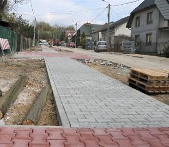 Trwają remonty dwóch ulic w Kielcach. Kiedy będą gotowe? (ZDJĘCIA)
