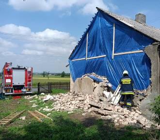 Wieczorna burza 24 czerwca w powiecie wieluńskim. Strażacy mieli ręce pełne roboty