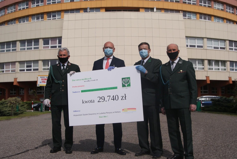 Szpital w Kaliszu. Myśliwi wsparli finansowo lecznicę w walce z koronawirusem