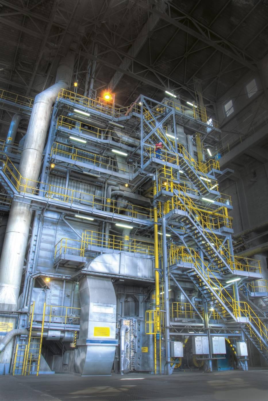 Kocioł parowy w elektrociepłowni Synthos Dwory to gigantyczna konstrukcja