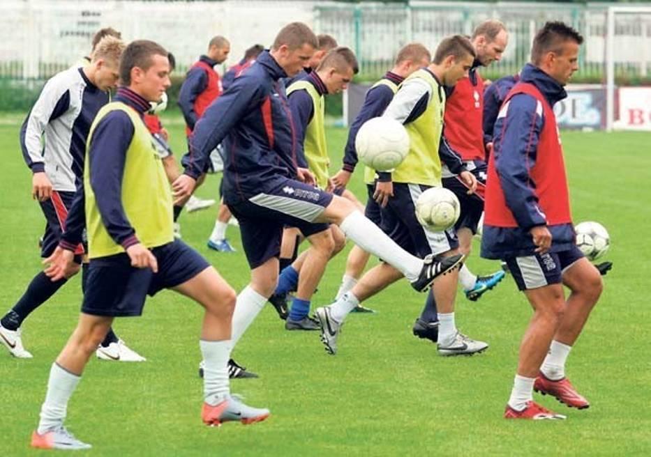 Piłkarze Piasta trenowali wczoraj na stadionie przy ul
