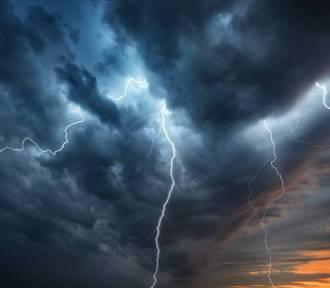 Uwaga! Na Pomorzu możliwe burze, porywisty wiatr, a nawet wichury!
