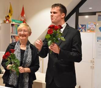 Pierwsze spotkanie z autorem książki w nowej siedzibie biblioteki w Kartuzach, Piotrem Smolińskim