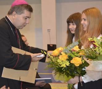 Ksiądz biskup Osial odwiedził ZSP nr 3 w Łowiczu [ZDJĘCIA]