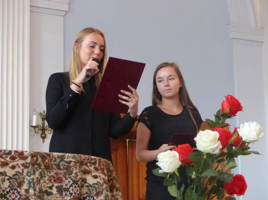 Konferansjerki Narodowego Czytania Lalki: Monika Marcinkowska i Karolina Berdyczko