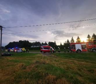 Wypadek na dw 794 w Trzyciążu. Są ranni