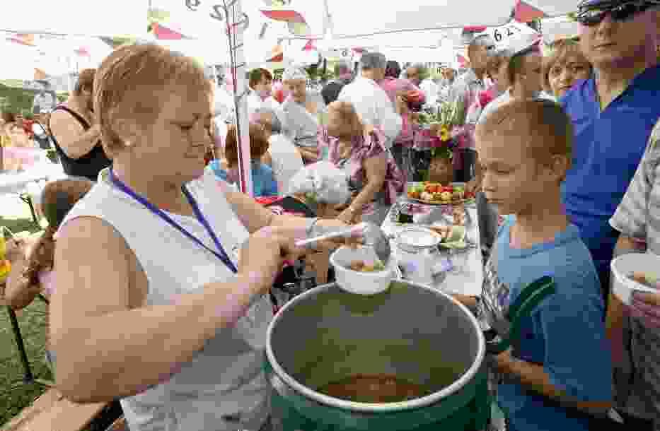Ruch Społeczny Liberum Veto chce uruchomić stołówkę, w której młodzież z biednych rodzin będzie mogła zjeść obiad