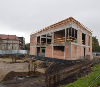 Trwa budowa węzła przesiadkowego Sądowa przy wjeździe do centrum Katowic ZDJĘCIA