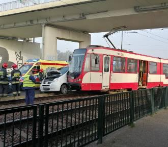 Zderzenie auta i tramwaju w Gdańsku przy ul. Jana z Kolna