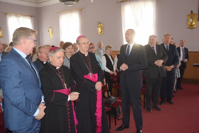 Uczniowie gnieźnieńskiej Szkoły Muzycznej zagrali imieninowy koncert dla prymasów