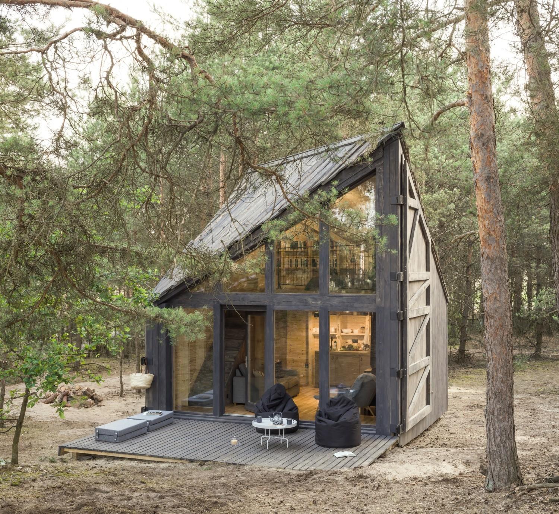 Bookworm Cabin w Adelinie pod Warszawą. Przepiękny domek do czytania książek