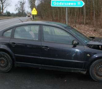 Wypadek samochodowy w Swarożynie. Kierowcy w szpitalu [ZDJĘCIA]