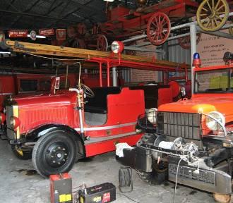 Zabytkowe wozy strażackie. Zobacz jakimi samochodami jeździli kiedyś strażacy