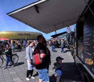 """Największy Zlot Food Trucków na Pomorzu, czyli kulinarna impreza """"Jemy na Stadionie Energa Gdańsk"""""""