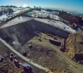 """Zima odpuściła, budowa zakopianki ruszyła """"z kopyta"""""""