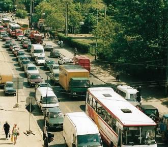 Wrocław. Lata 90. XX wieku. Oto, jak wtedy wyglądała komunikacja w mieście (ZOBACZ)