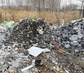 Suwałki. Straż Miejska ujawniła nielegalne wysypisko śmieci [ZDJĘCIA]
