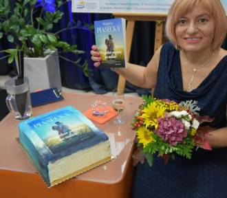 Premiera książki Wioletty Piaseckiej w zdunowskiej bibliotece [ZDJĘCIA]