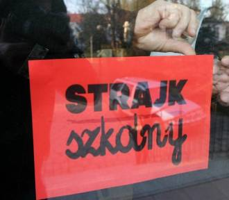 Nauczyciele strajkują. Trzeba będzie zamykać szkoły we Wrocławiu