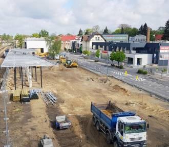 Zmieniamy Wielkopolskę. Zintegrowane centrum komunikacyjne w Wolsztynie wygląda coraz lepiej