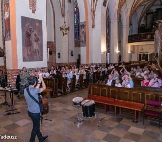 XIV Stargard Gospel Days. Białoruski duet Laudans koncertował w kościele św. Jana