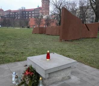 Pomnik AK. Dwie firmy chętne do budowania, ale drożej niż zaplanowano