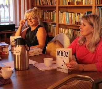 Gmina Czersk. Dyskusyjny Klub Książki w Bibliotece Ośrodka Kultury w Rytlu