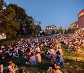 Kino letnie wraca do parku koło Starego Browaru. Co w repertuarze?