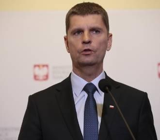 """Piontkowski: """"Uczniowie wrócą do szkół w kwietniu, najpóźniej w maju"""""""
