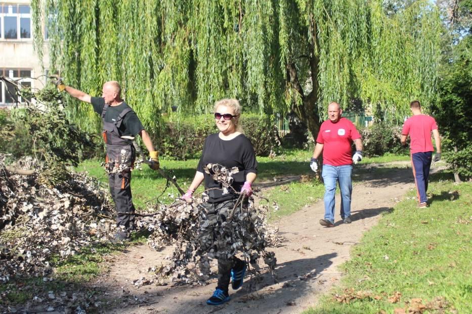 Sprzątanie Parku Trzech Kultur